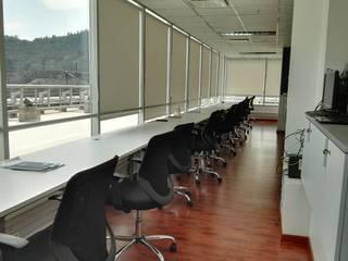 REMODELACION OFICINAS Oficinas y bibliotecas de estilo moderno de Lagom Studio Moderno