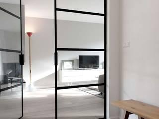 Verbouwing familiewoning Den Haag:  Gang en hal door Atelier Perspective Interieurarchitectuur