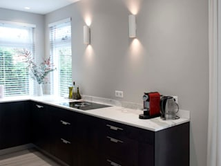 Verbouwing familiewoning Den Haag: moderne Keuken door Atelier Perspective Interieurarchitectuur