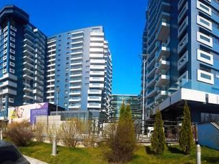 Selling Homes in Bucharest:  de estilo  por Flatfy