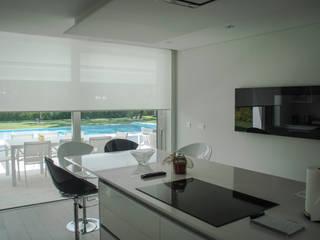 Cozinha: Cozinhas modernas por AES - Arquitectura Engenharia e Serviços