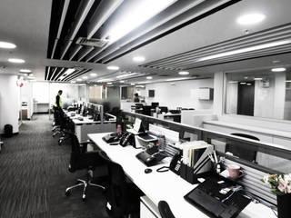 Remodelación de Oficinas en Lima - Jockey Plaza Estudios y despachos modernos de GA Experimental Moderno