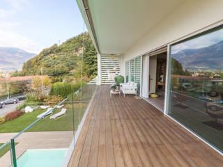 Sopraelevazione in legno: lo spazio che aumenta.: Casa prefabbricata  in stile  di Wood Beton Spa