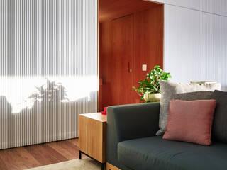 Apartamento AML : Salas de estar  por DAVID ITO ARQUITETURA