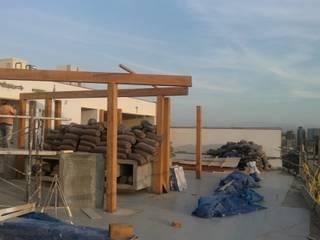 TECHO SOL Y SOMBRA - EDIFICIO ESSENZA:  de estilo  por ROAN arquitectura & madera