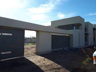 Vivienda de Categoria en Balcarce, Pcia. Bs. As.: Casas de estilo  por Mundopanel