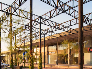 Paseo del Arte: Techos de estilo  por Garza Maya Arquitectos