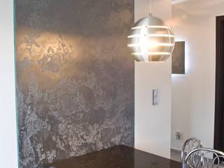 Efekt betonu, Trawertyn, Stiuk wenecki Nowoczesna kuchnia od Rawtype Nowoczesny
