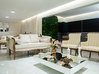 Living room by Livia Martins Arquitetura e Interiores, Classic