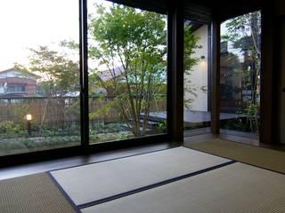 和室 オリジナルデザインの 多目的室 の Sデザイン設計一級建築士事務所 オリジナル 木 木目調