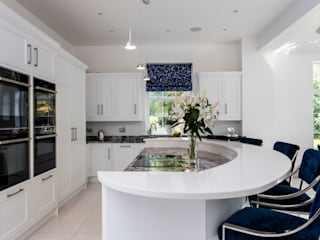 Stunning contemporary kitchen in Hertfordshire made and designed by John Ladbury and Company van John Ladbury and Company