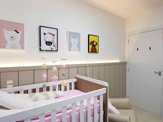 Nursery/kid's room by PANORAMA Arquitetura & Interiores, Eclectic