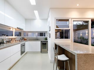 Kitchen by Otoni Arquitetura, Modern