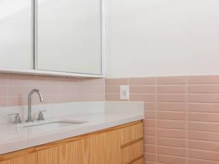 INÁ Arquitetura Baños de estilo moderno Azulejos Rosa