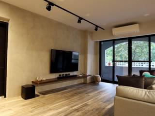 Salones minimalistas de 青築制作 Minimalista