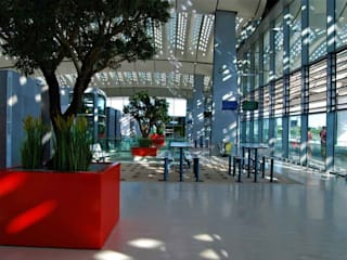 ATELIER SO GREEN Modern airports Aluminium/Zinc Red