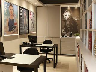 Escritório BK: Escritórios  por iLLUS Studio de Arquitetura