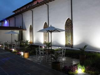 の Omar Interior Designer Empresa de Diseño Interior, remodelacion, Cocinas integrales, Decoración コロニアル