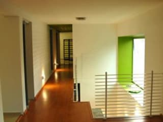 TaAG Arquitectura Modern corridor, hallway & stairs
