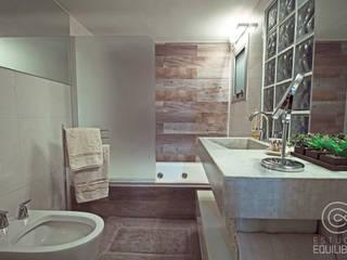 Ванная комната в стиле модерн от Estudio Equilibrio Модерн