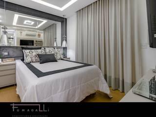 Phòng ngủ theo Jacqueline Fumagalli Arquitetura & Design, Hiện đại