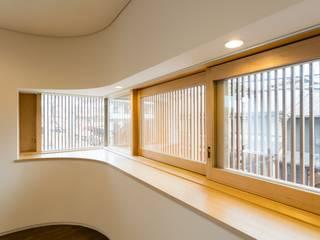 五条坂の家: 一級建築士事務所 アリアナ建築設計事務所が手掛けたリビングです。