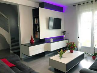 Meuble supendu télévision par Groizeau, concepteur d'interieur Moderne