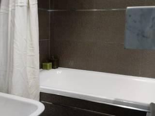 現代浴室設計點子、靈感&圖片 根據 Arquimundo 3g - Diseño de Interiores - Ciudad de Buenos Aires 現代風