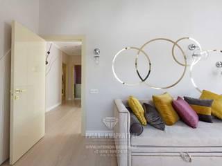Cuartos infantiles de estilo ecléctico de Студия дизайна интерьера Руслана и Марии Грин Ecléctico