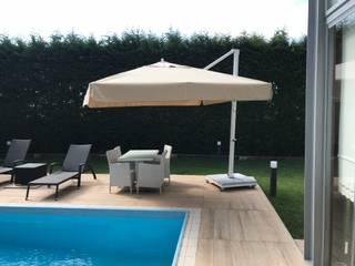 Akaydın şemsiye – HAVUZ BAŞI YANDAN GÖVDELİ ŞEMSİYE:  tarz Bahçe havuzu,