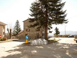 Ristrutturazione antica casa padronale: Casa di campagna in stile  di Studio Architetto Alessandro Barciulli, Rustico