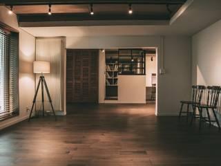 MURE HOUSE ラスティックデザインの リビング の 株式会社シーンデザイン建築設計事務所 ラスティック