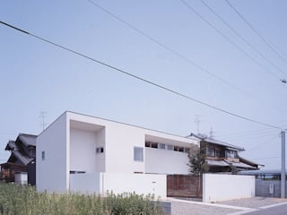 房子 by 有限会社スマイルスタジオ/sMile sTudio, 現代風