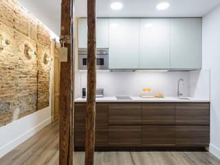 Apartamento en Lavapiés Cocinas de estilo ecléctico de Casa&Foto Ecléctico