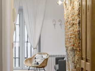 Apartamento en Lavapiés Salones de estilo ecléctico de Casa&Foto Ecléctico