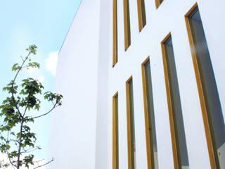 Plaza Angel Espacios comerciales de estilo minimalista de Taller de Materia Arquitectónica Minimalista