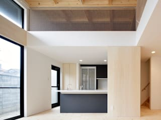 多層空間の家 モダンな キッチン の 一級建築士事務所 アリアナ建築設計事務所 モダン