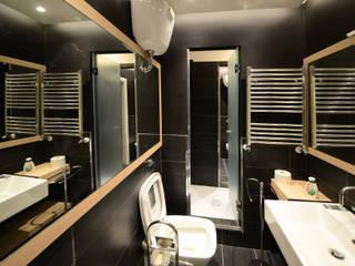 Baños de estilo  por Studio Tecnico Arch. Lodovico Alessandri, Moderno