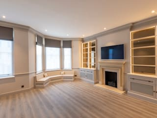 Three Storey Maisonette - Chelsea Classic style living room by Prestige Architects By Marco Braghiroli Classic