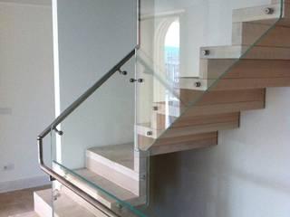 Villa urbana: Scale in stile  di Architetti Gentili