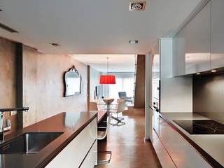 Cocina: Cocinas integrales de estilo  de JSV-Architecture