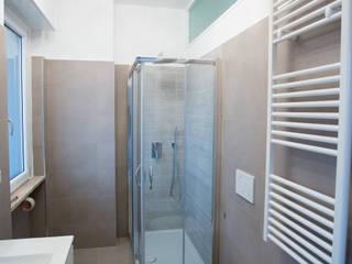 Moderne Badezimmer von Ristrutturazione Case Modern