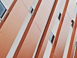 마동 피부샵: 인중헌 건축사 사무소의  상업 공간