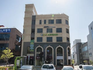 왕지동 K씨 근생: 인중헌 건축사 사무소의  상업 공간