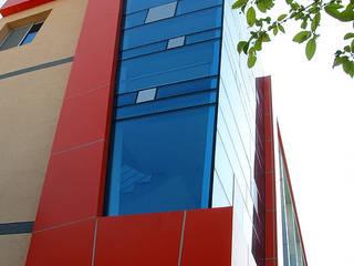 중동 L씨 근생: 인중헌 건축사 사무소의  상업 공간