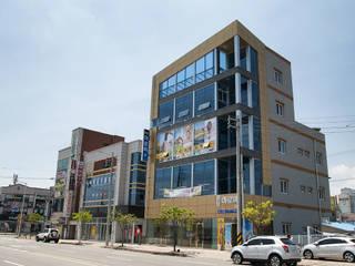 중동 S씨 근생: 인중헌 건축사 사무소의  상업 공간