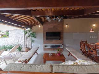 Conjunto residencial de estilo  por Bernal Projetos - Arquitetos em Salvador