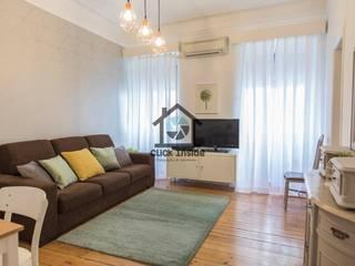 APARTAMENTO EM LISBOA (CAPUCHOS): Salas de estar minimalistas por Click Inside - Real Estate Photography