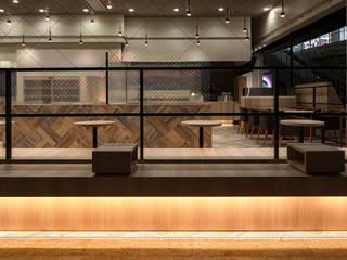「虹窓」 モダンな商業空間 の 株式会社KAMITOPEN一級建築士事務所 モダン