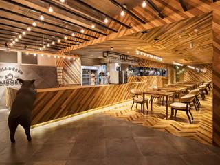 「素材を調理」 モダンな商業空間 の 株式会社KAMITOPEN一級建築士事務所 モダン